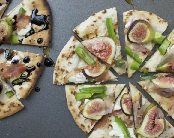 Sliced Fig and Prosciutto Naan Pizza