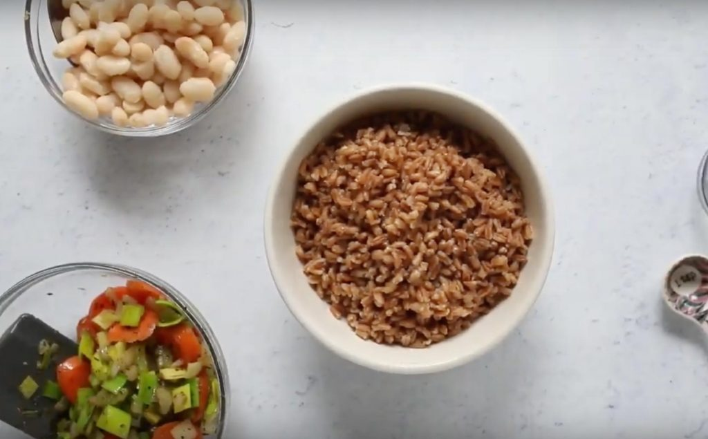 farro for white bean and farro bowl in a bowl